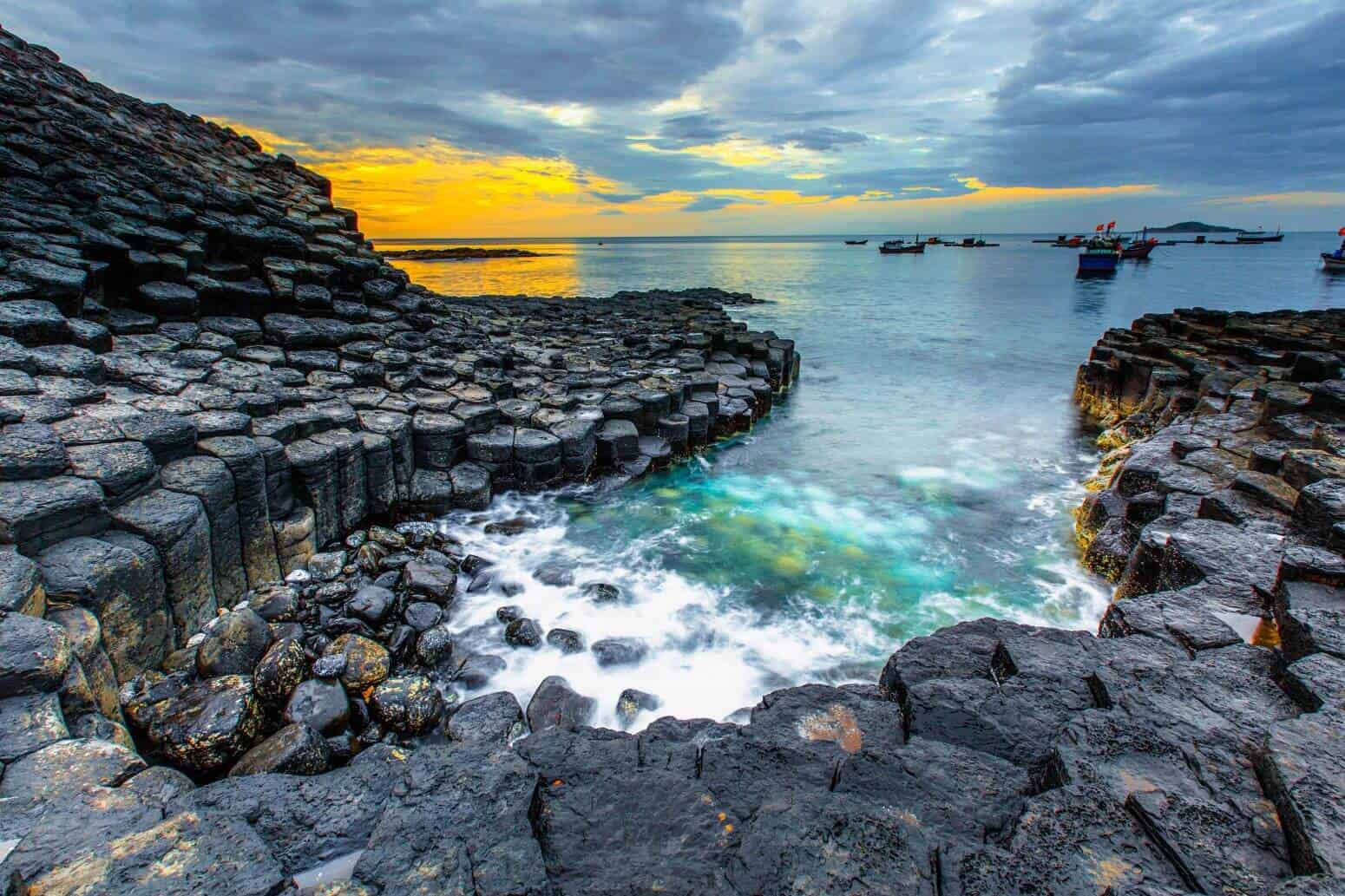 Gành đá đĩa phú yên Tuy Hòa